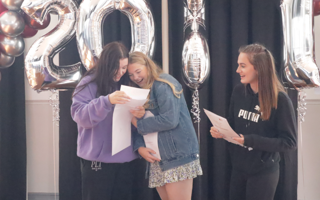 HGHS Celebrate GCSE Results Day with their Students